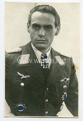 Luftwaffe Portraitfoto,Eichenlaub mit Schwertern zum Ritterkreuz des Eisernen Kreuzes Werner Baumbach