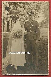 Hochzeitsfoto eines Angehörigen des Heeres
