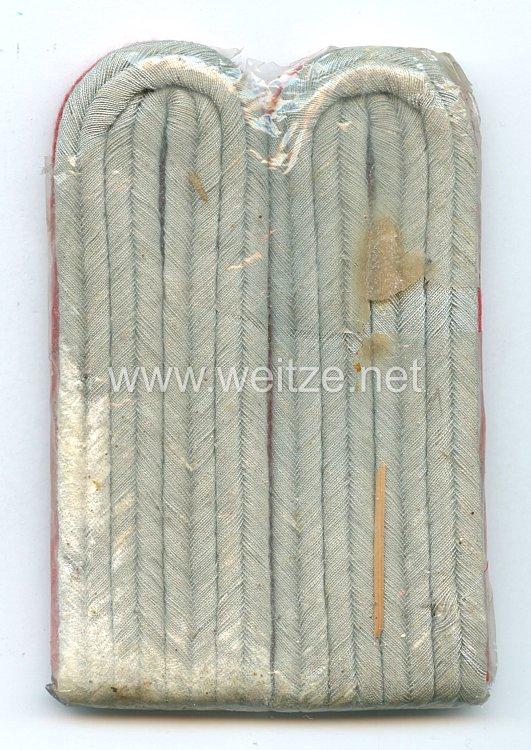 Wehrmacht Heer Paar Schulterstücke für einen Leutnant der Artillerie