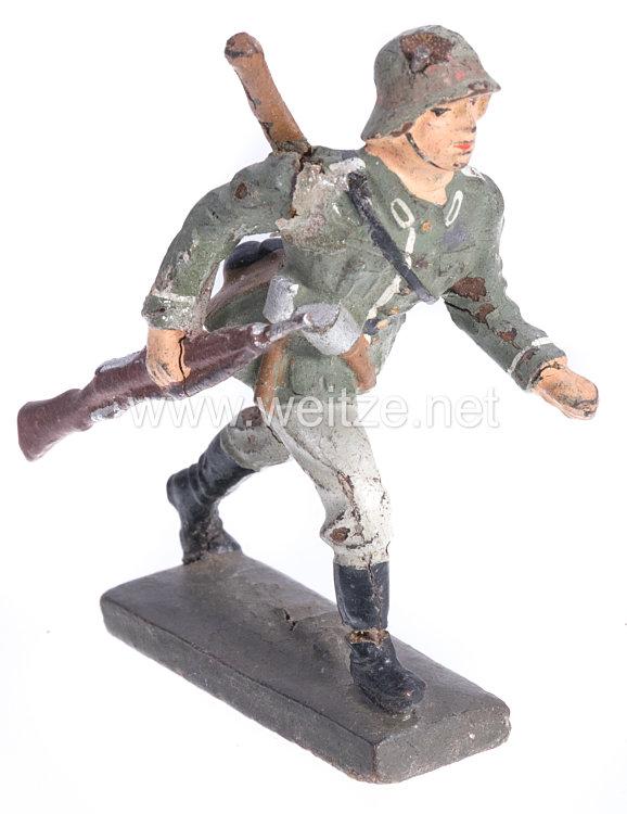 Lineol - Heer Sturmsoldat mit Karabiner und Spaten