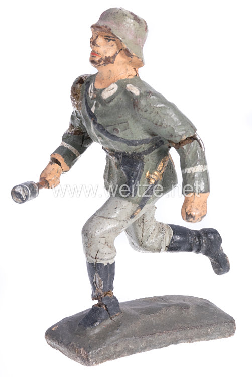 Lineol - Heer Sturmsoldat mit Handgranate und Revolver