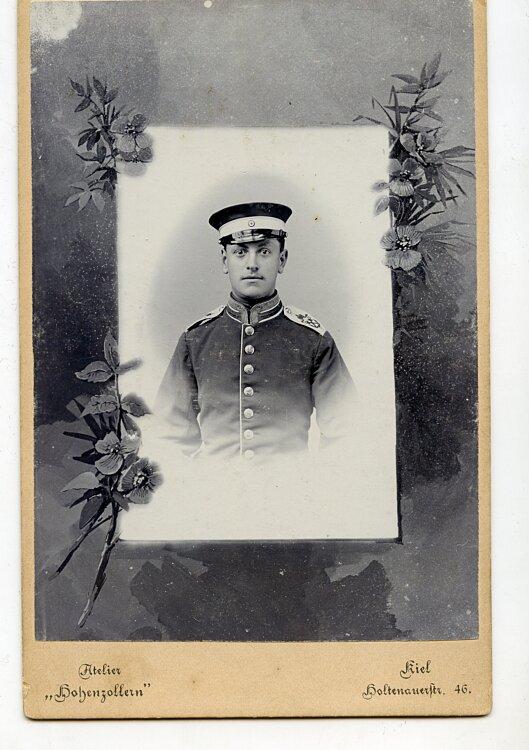 1. Seebataillon grosses Kabinettfoto eines Unteroffiziers