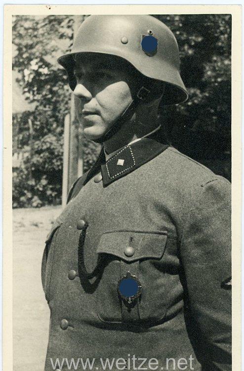 Allgemeine-SS Foto, SS-Unterscharführer mit außergewöhnlichen SS-Runenschild auf dem M35 Stahlhelm