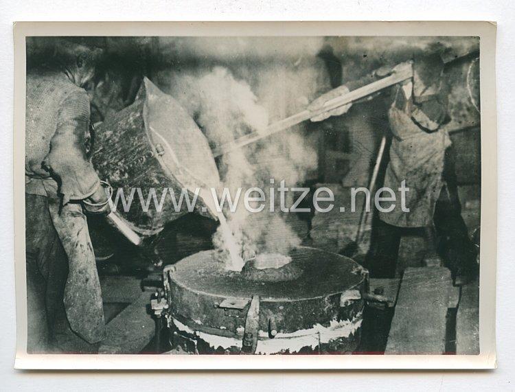 3. Reich Pressefoto: Wien bekommt eine Adolf Hitler Glocke 5.5.1938