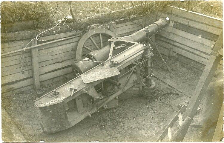 1. Weltkrieg Foto: Zerstörtes Artilleriegeschütz