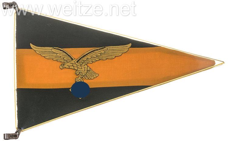 Luftwaffe KFZ-Autostander für den Bataillons-Kommandeur eines Fallschirmjäger-Regiments bzw. Gruppenkommandeurs eines Fliegergeschwaders