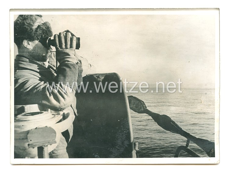 Kriegsmarine Pressefoto: Matrose am Ausguck