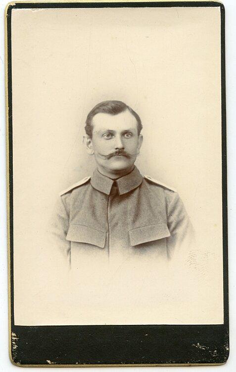Deutsches Expeditionskorps in China kleines Kabinettfoto eines Soldaten im Ostasiatischen Infanterie Regiment