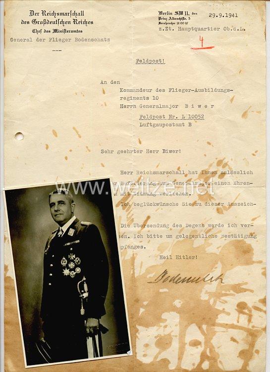Verleihungsschreiben für den Ehrendegen der Luftwaffe mit Widmungfür den Kommandeur des Flieger-Ausbildungsregiments 10 Franz Biwer anläßlich seiner Beförderung zum Generalmajor