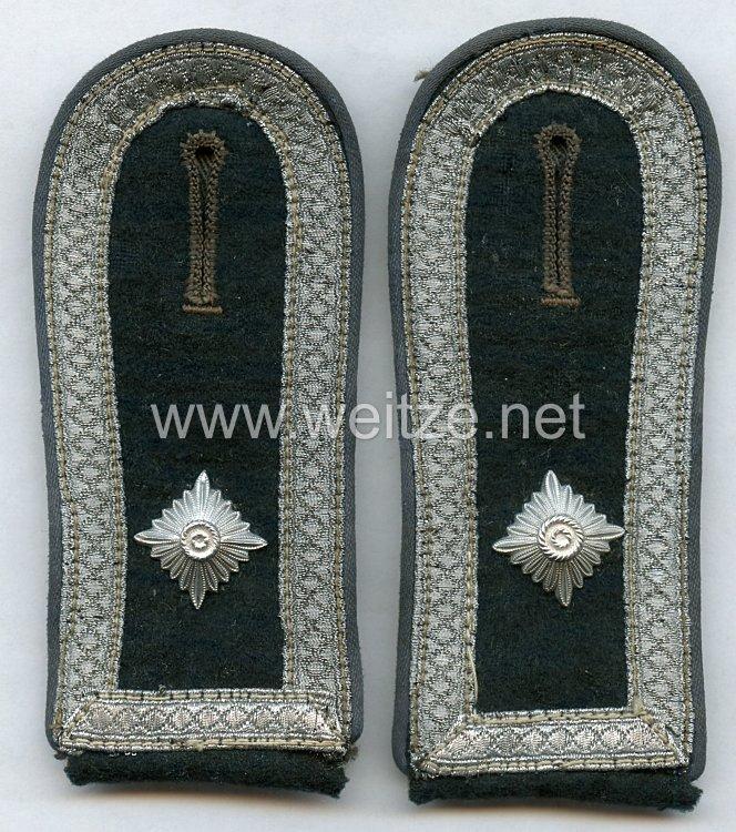 Wehrmacht Heer Paar Schulterklappen für einen Feldwebel Transport