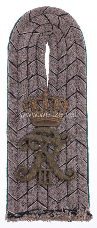Baden Einzel Schulterstück Feldgrau für einen Leutnant im 6. Badischen Infanterie-Regiment Kaiser Friedrich III. Nr. 114