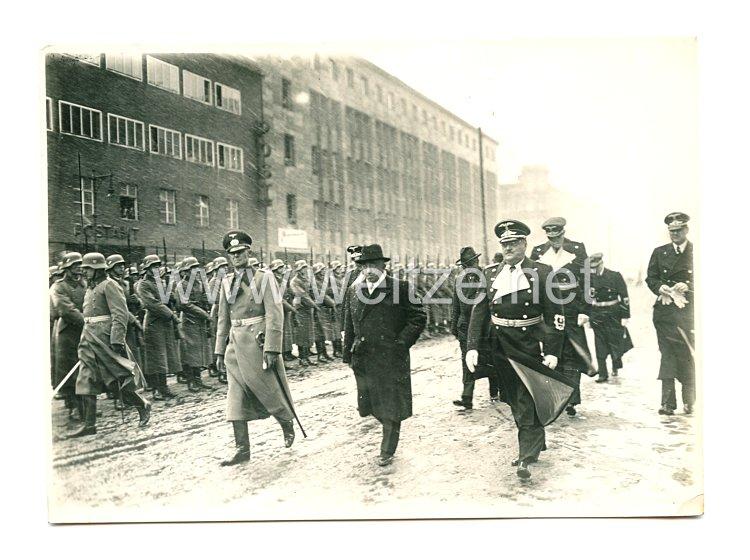 III. Reich Pressefoto: Deutsche Diplomaten marschieren die Front ab
