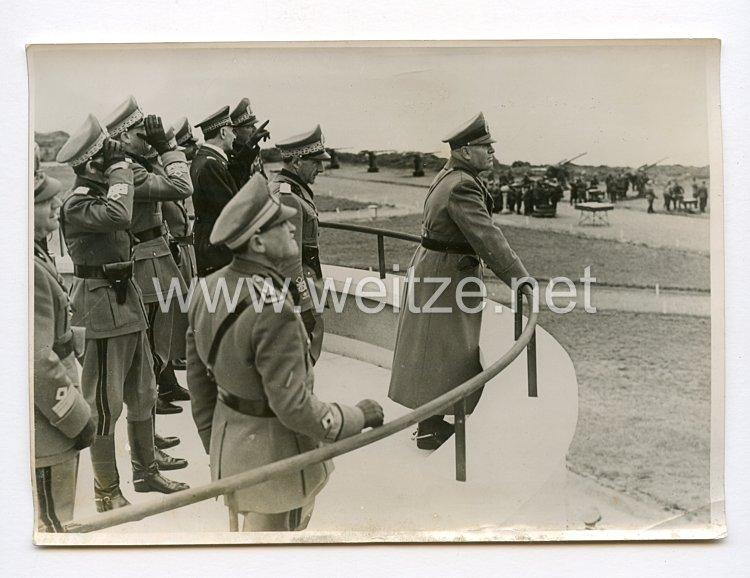 III. Reich Pressefoto. Der Duce wohnt Übungen der italienischen Flak-Miliz bei. 10.4.1940.