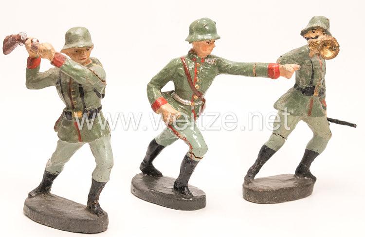 Elastolin - Heer 3 Soldaten im Angriff ( Sturmtrompeter, mit Gewehr schlagend und im Sprung )