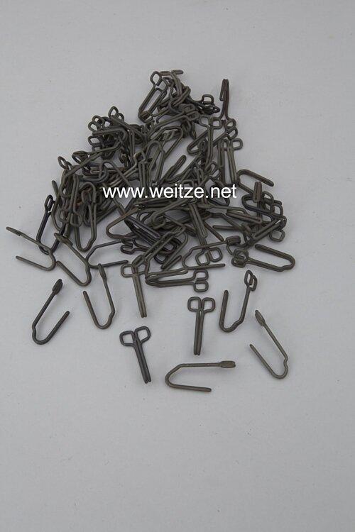 Wehrmacht Paar Koppeltragehaken für die Feldbluse