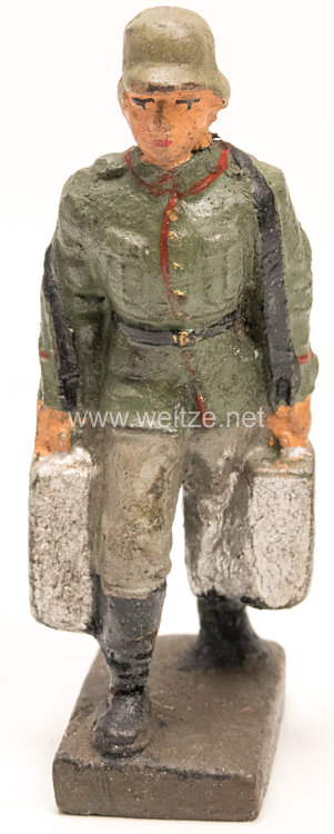 Lineol - Heer MG Schütze mit zwei Munitionskisten tragend