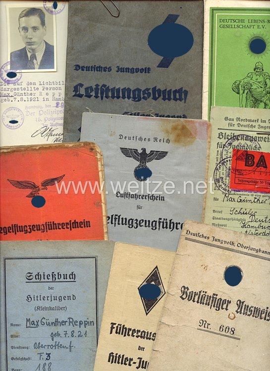 HJ - Dokumentengruppe eines Hitlerjungen und späteren Gefreiten der 1./Übungs-Staffel-Luftlandegeschwader 1