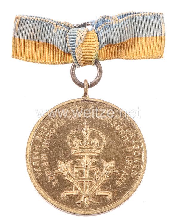 """Preußen tragbare Medaille """"Verein Ehemaliger Kameraden 1. Garde-Dragoner Königin Viktoria von Grossbrit. und Irland - Zur Erinnerung an den 6. Dragonertag 1910"""""""