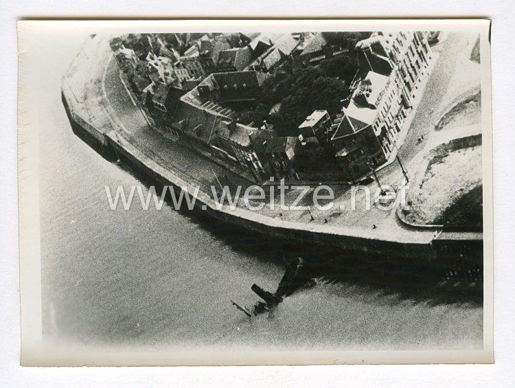 III. Reich Pressefoto. Durch Bombentreffer vernichtet. 4.7.1940.