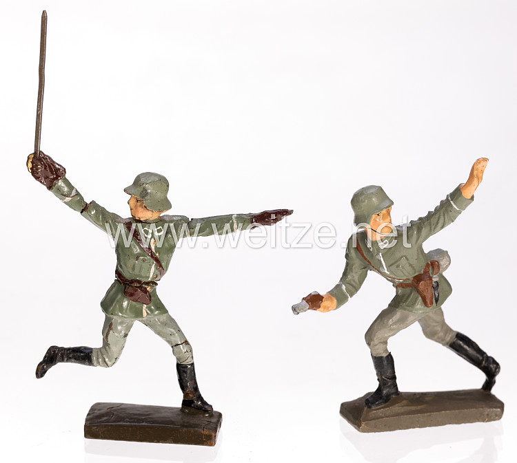 Lineol - Heer Offizier und Soldat im Angriff