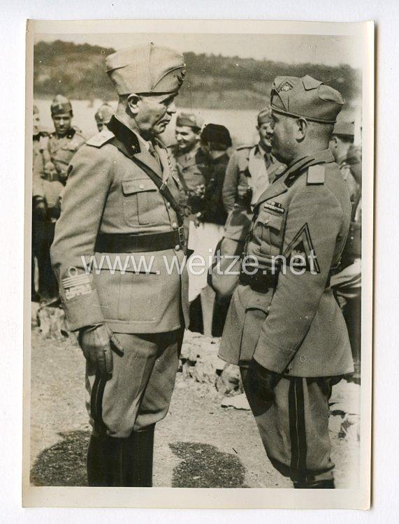 III. Reich Pressefoto. Der Erste Marschall des Imperiums und der Leiter des italienischen Generalstabes. 11.6.1940.