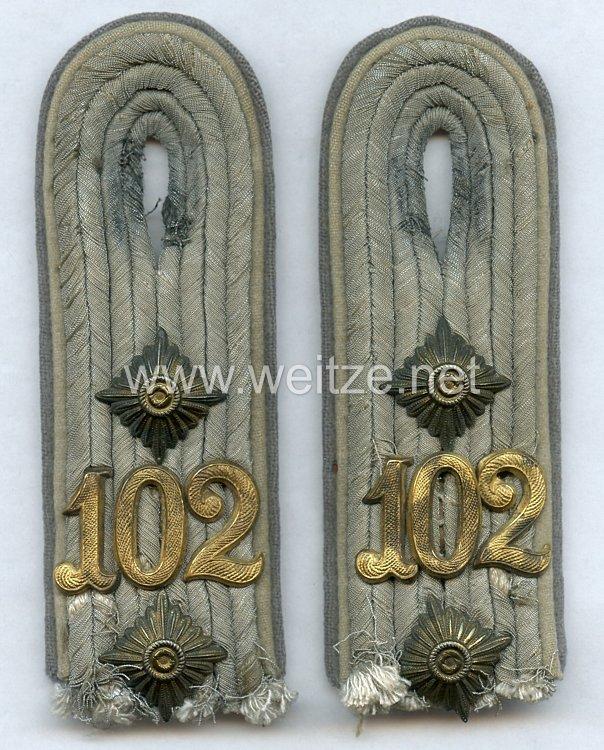 Wehrmacht Paar Schulterstücke für einen Reserve Hauptmannim Infanterie-Regiment 125