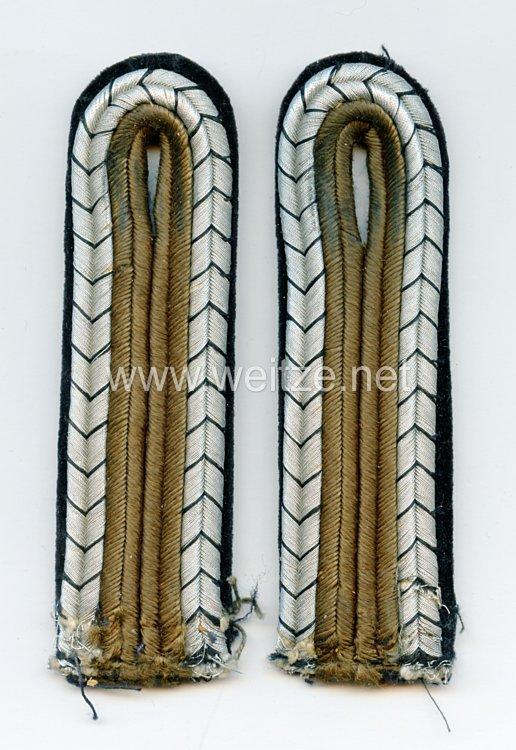 RAD 2 Einzelne Schulterstücke für einen Unterfeldmeister