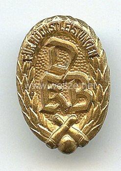 Deutscher Keglerbund ( DKB ) -Abzeichen für Höchstleistungen in Gold 2. Form klein