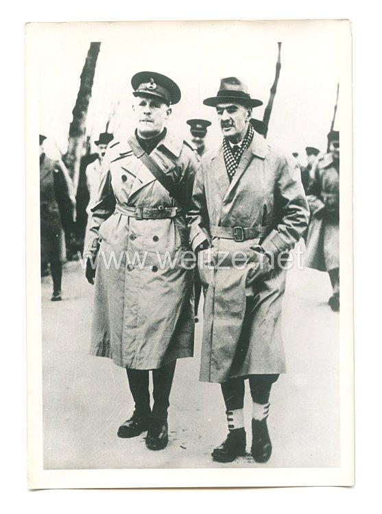 3. Reich Pressefoto: Ministerpräsident Chamberlain mit einen britischen Offizier