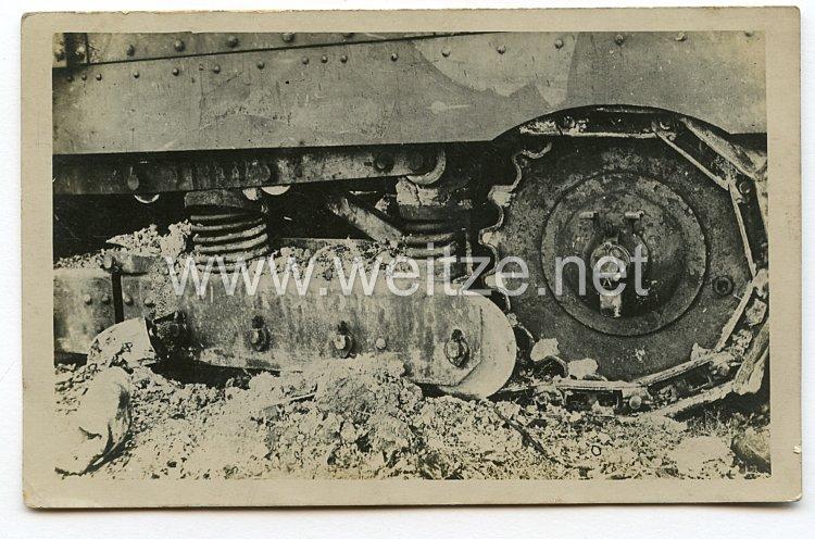 1. Weltkrieg Deutsches Heer Foto, zerstörter französischer Panzer Char Schneider CA1