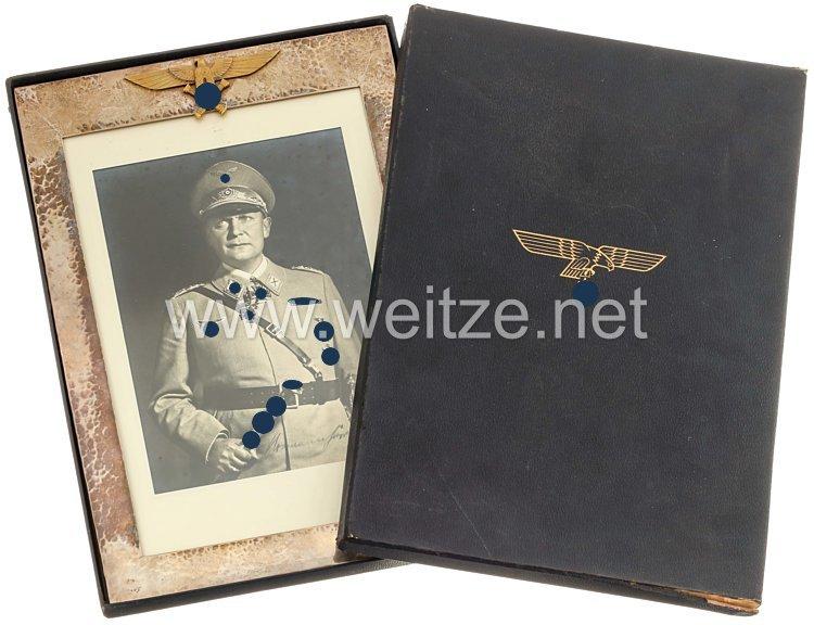 Reichsmarschall Hermann Göring: großer silberner Geschenkrahmen mit gewidmetem Foto