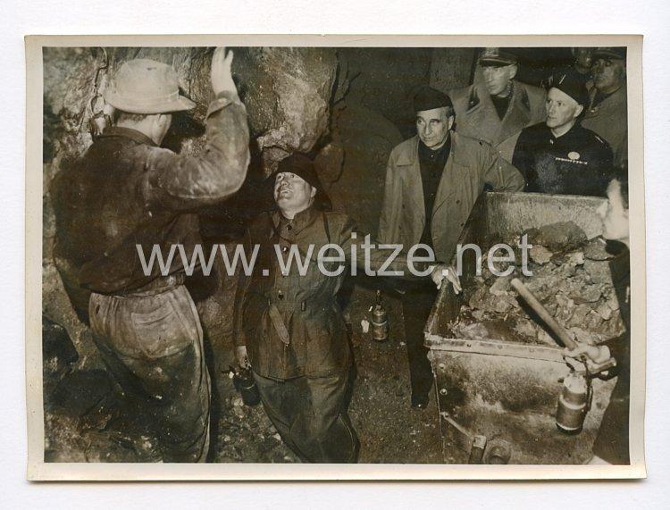 III. Reich Pressefoto. Der Duce besichtigte eine Erzgrube in Nord-Italien. 22.10.1940.