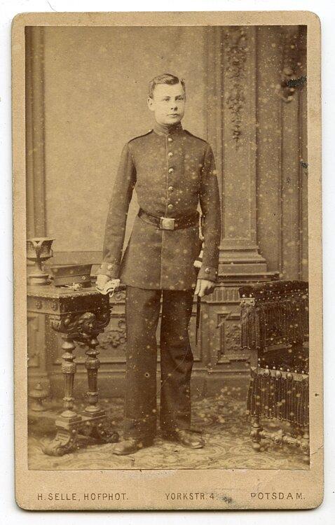 kleines Kabinettfoto, Angehöriger des Militärwaisenhaus Potsdam