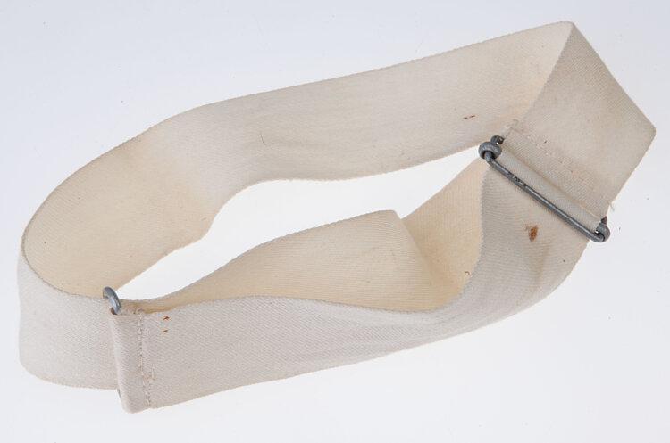 Wehrmacht weißes Manöverband für die Schirmmütze als Schiedsrichter