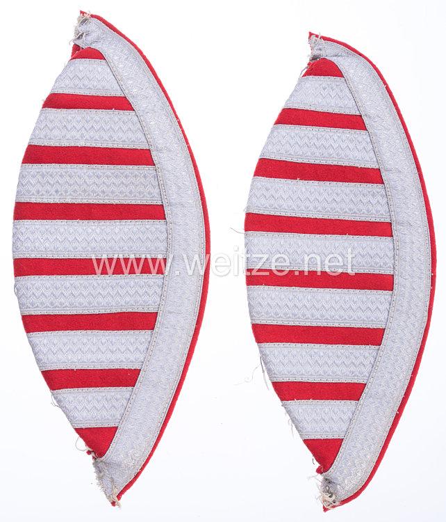 Bundesrepublik Deutschland ( BRD ) Paar rote Schwalbennester