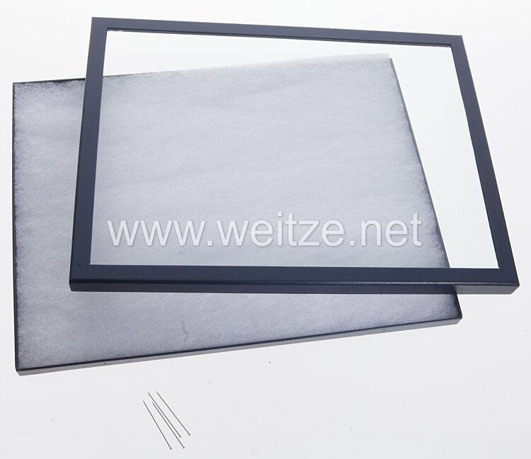 Helmut Weitze grosse Ordensvitrine - Showcase 31,5 x 41,5 cm