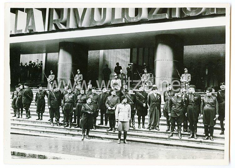 Königreich Italien Pressefoto: Schwarzhemden Milizia Volontaria per La Sicurezza Nazionale  (MVSN) am Bahnhof