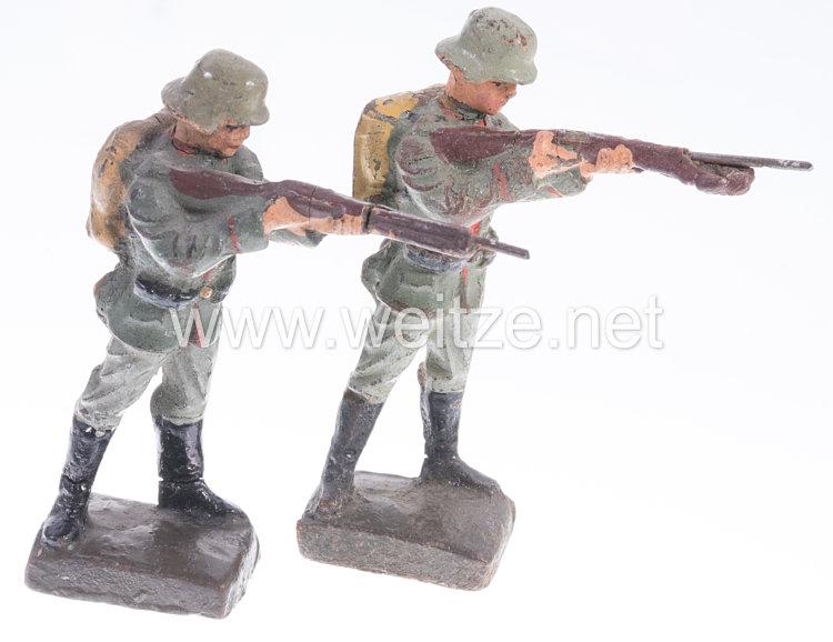 Lineol - Heer 2 Soldaten mit Tornister stehend schießend