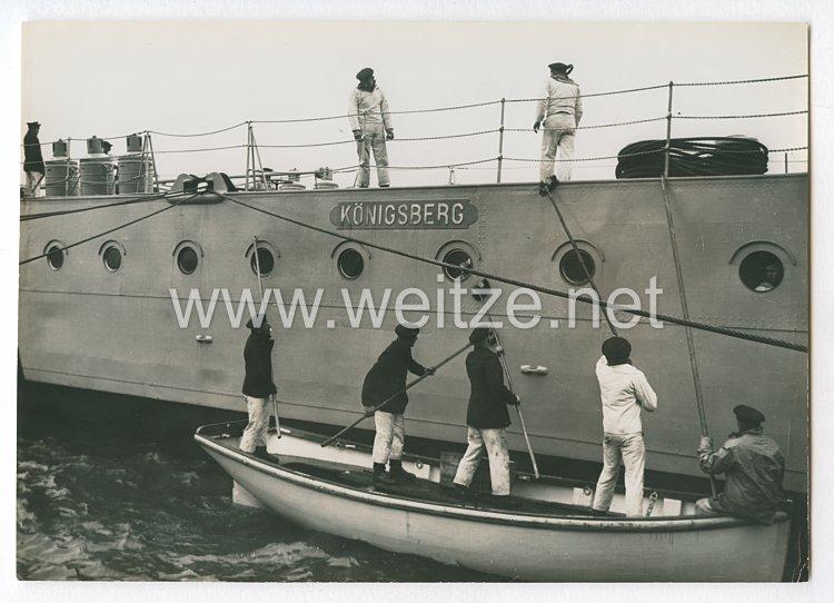 Reichsmarine Pressefoto: Die Königsberg wird geschrubbt