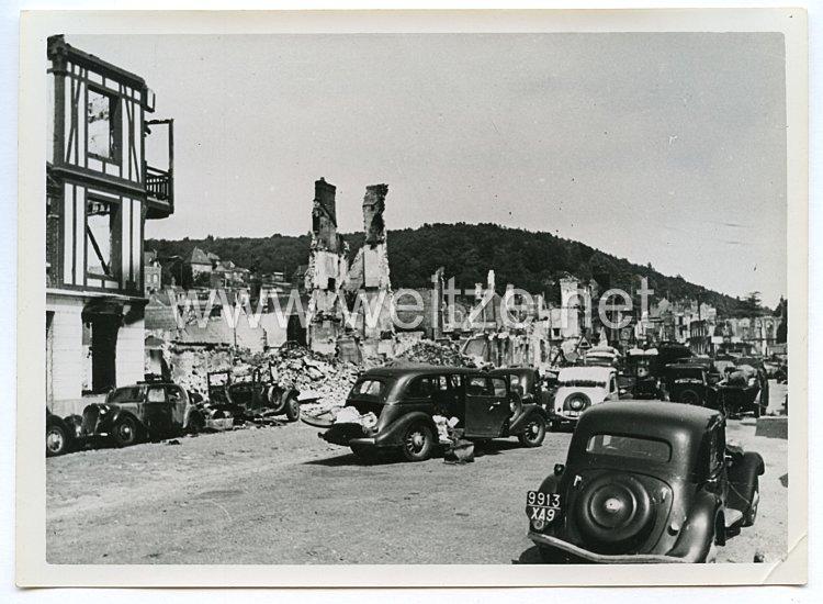 Wehrmacht Pressefoto: Zerstörung im Ort Candebec (vermutlich Caudebec Frankreich)