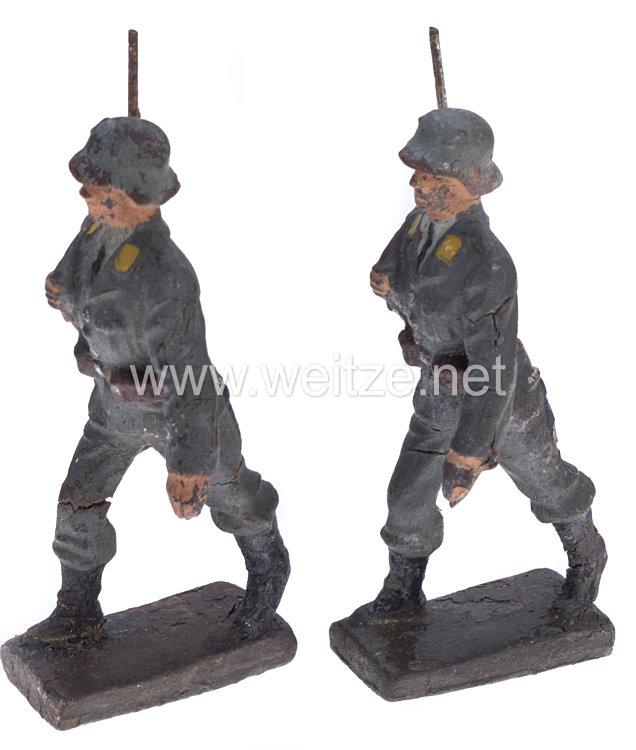 Lineol - Luftwaffe Fliegertruppe 2 Soldaten mit Stahlhelm im Marsch