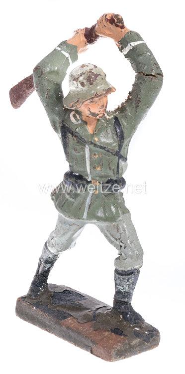 Lineol - Heer Soldat mit Gewehr zuschlagend