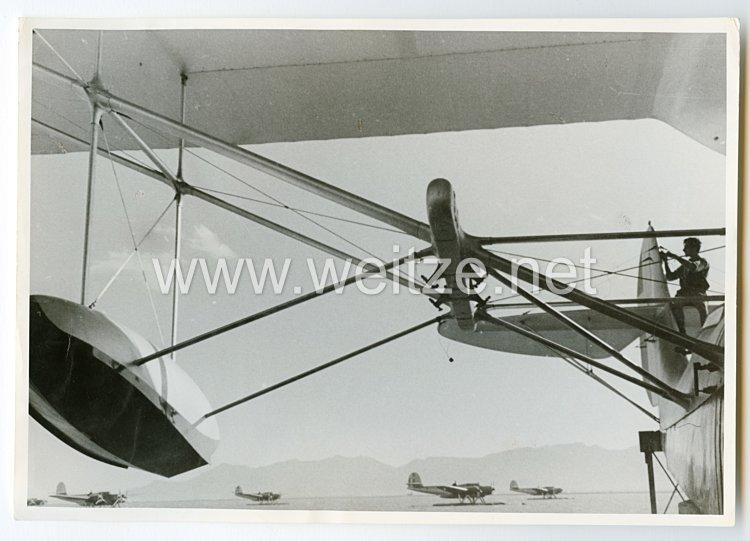 Königreich Italien Pressefoto: Wasserflugzeuge im Mittelmeer
