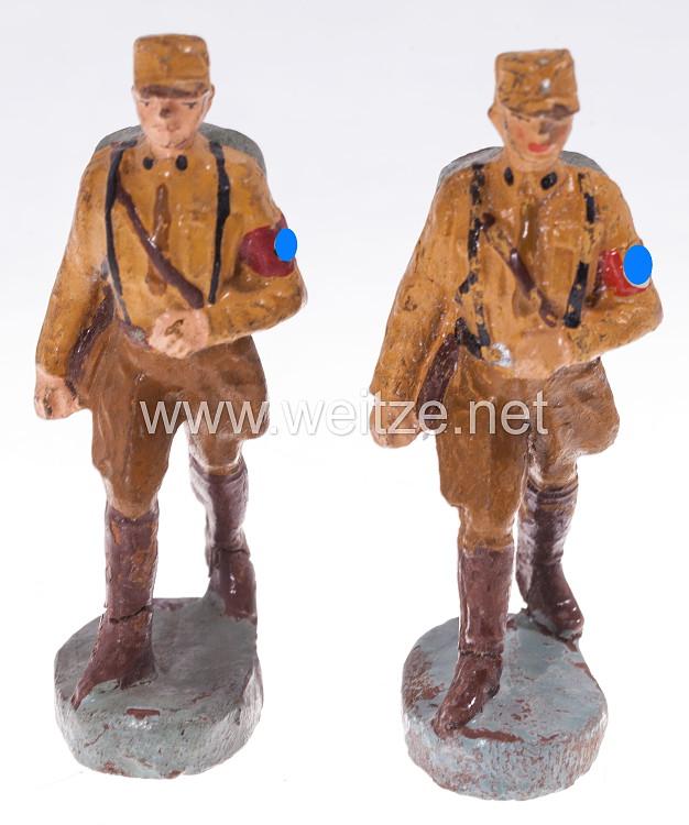 Elastolin - Sturmabteilung ( SA ) 2 SA-Männer mit Tornister marschierend